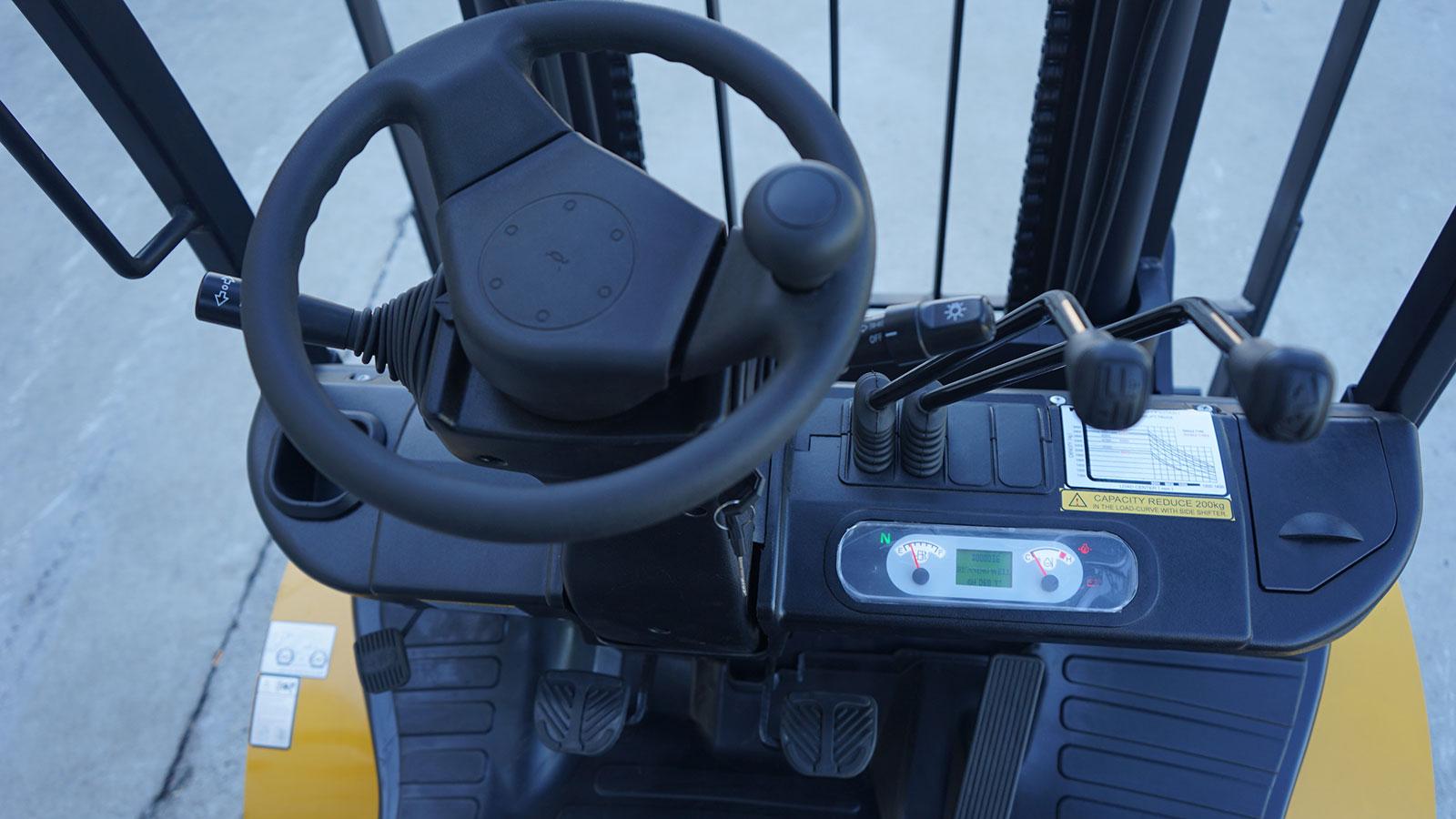 vô lăng xe nâng dầu mga forklift 4.5 tấn